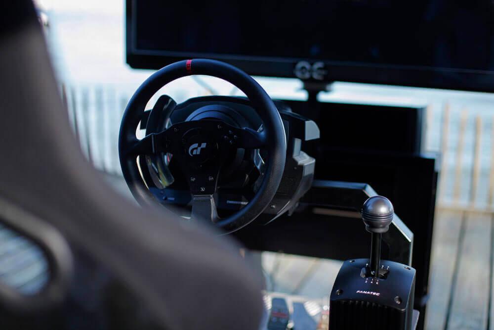 Louez un simulateur de course à la maison!