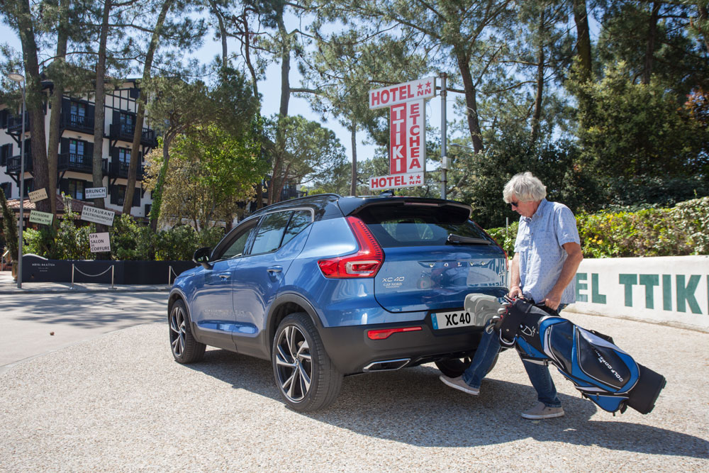 Cap Nord Automobile Volvo concessionnaire XC40 D4 R-design Cap Ferret Bassin d'Arcachon SUV Voiture De l'Année Car Of The Year coffre performante City Safety Pilot Assist .