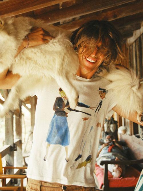 GKERO Marguerite Bartherotte Bassin Cap Ferret créatrice jeune artiste vêtement mode collection tendance peinture dessin plage cabane océan surfeur