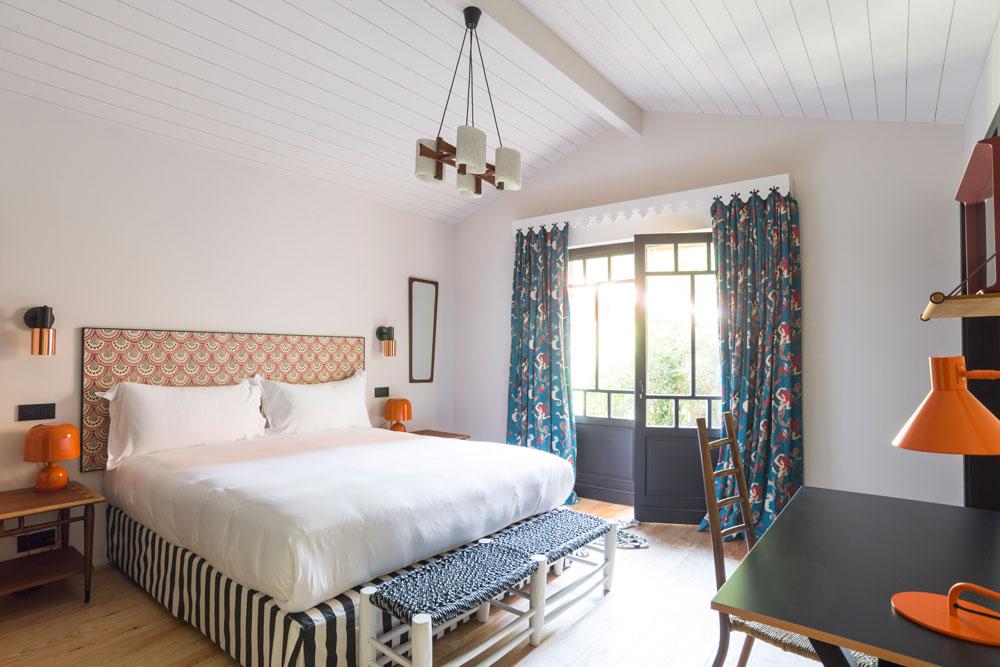 musique hôtel famille guitoune pyla sur mer moulleau bassin arcachon chambres ambiance retro vintage