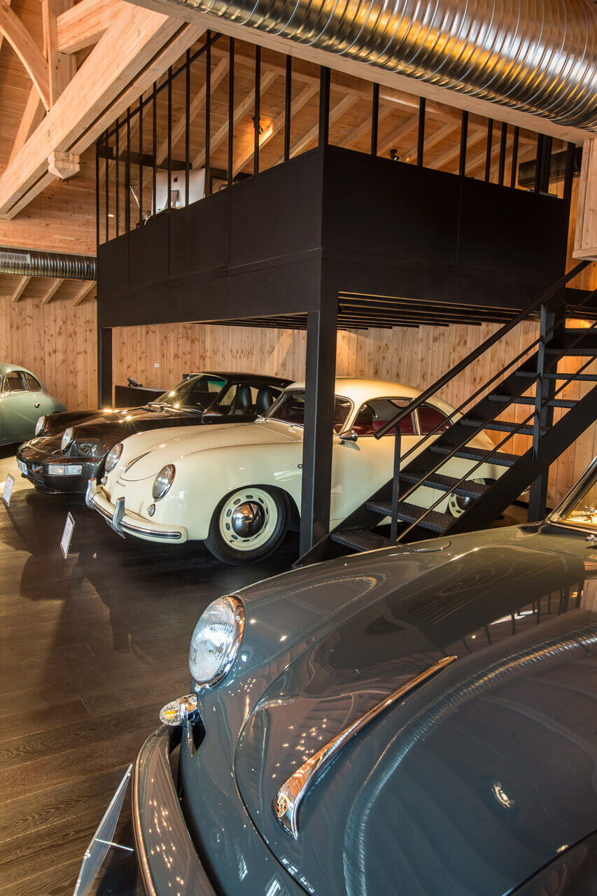showroom garage porshe claouey voitures anciennes