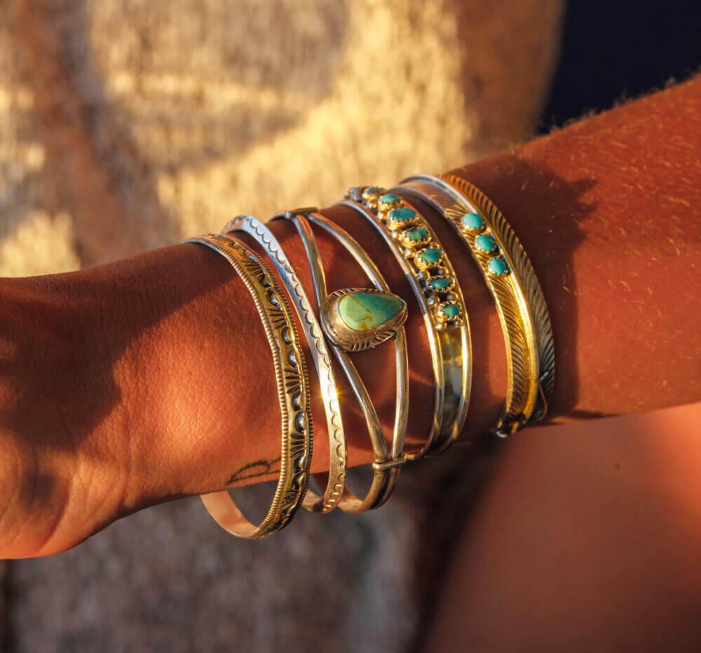 Nous les libellules boutique accumulation de bracelets