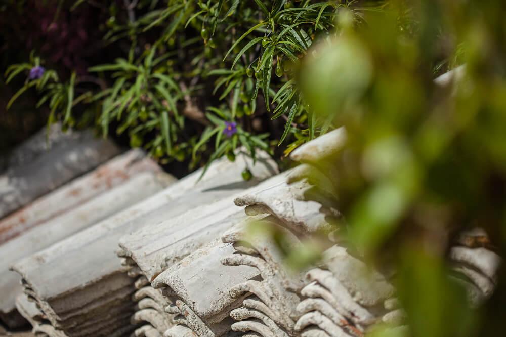 La cabane de l'Aiguillon est ouverte toute l'année, pour la vente directe ou pour profiter du paysage. Des produits simples et un accueil toujours chaleureux. Quand on discute un peu avec le père Dominique ou sa fille Stéphanie, on ressent de suite, tout l'amour de l'huître. Et cela est vite contagieux ! On vous recommande d'aller les voir !