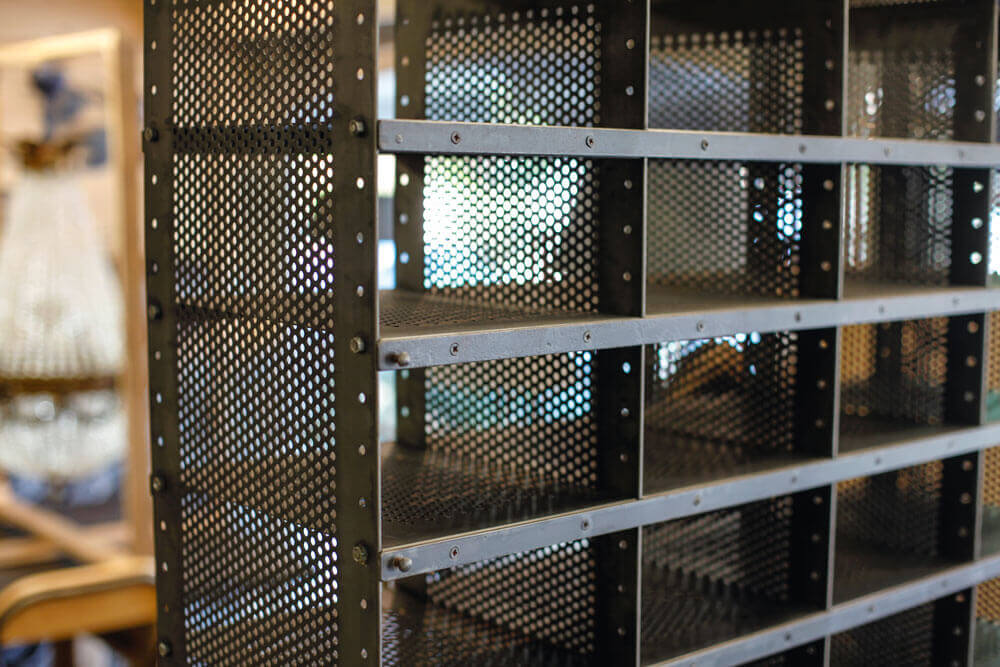 Pezon Creations casiers metal industriel