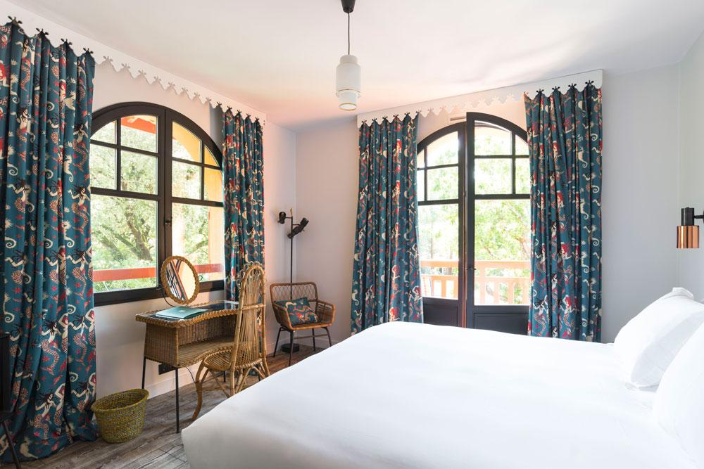 musique hôtel idéal famille guitoune pyla sur mer moulleau bassin arcachon chambres ambiance retro vintage